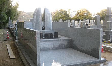 事例3:思いを形にしたデザインお墓