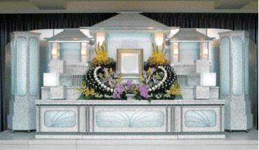 相賀佛光堂のホール葬 祭壇飾り
